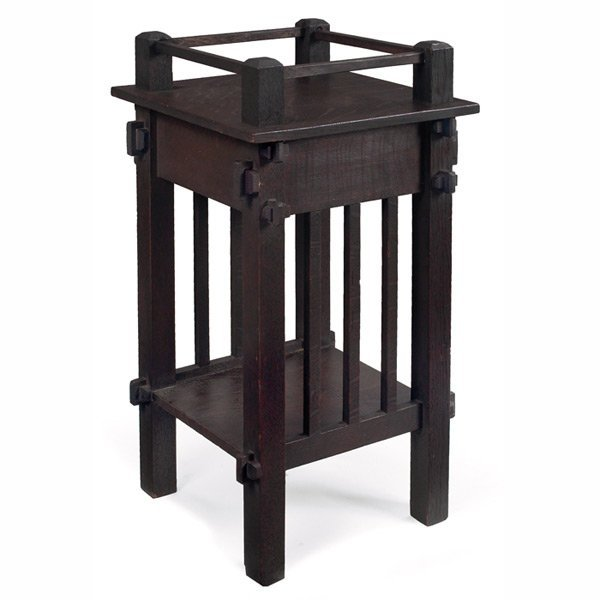 189: Arts & Crafts plant stand, spindle form