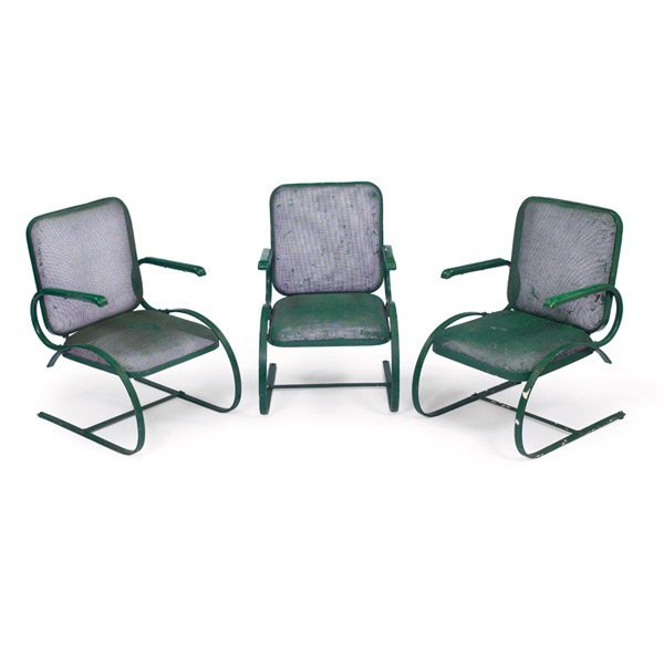 1033: 1950s patio chairs, three, wire mesh seats and ba