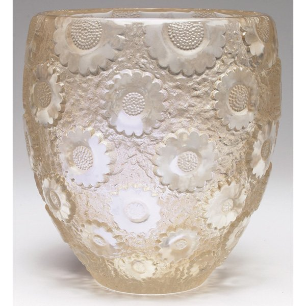 446: R. Lalique Paquerettes vase, ca. 1927, clear glass