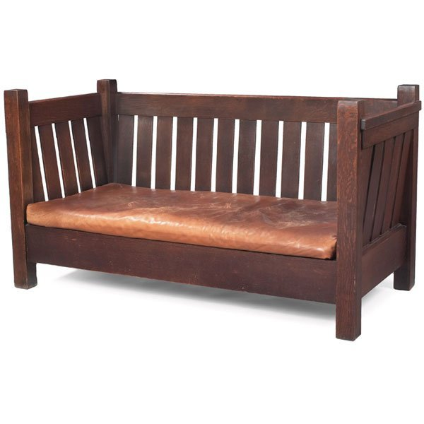 9: Good Gustav Stickley crib settle, #207