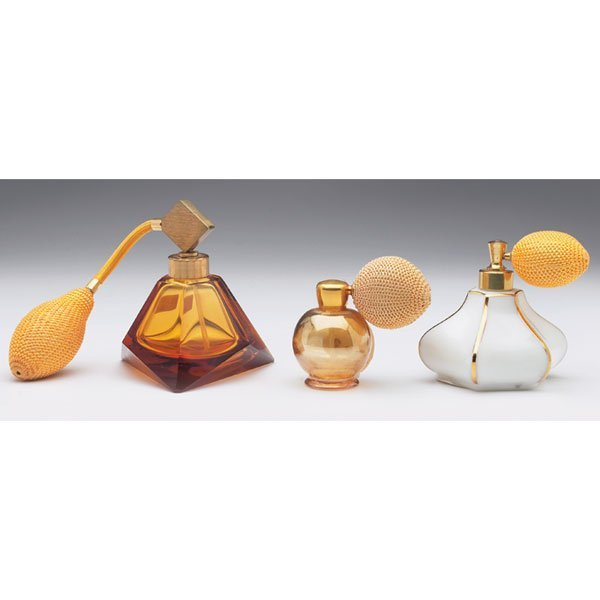 426: Art Glass perfume atomizer, w/ Art Glass perfume