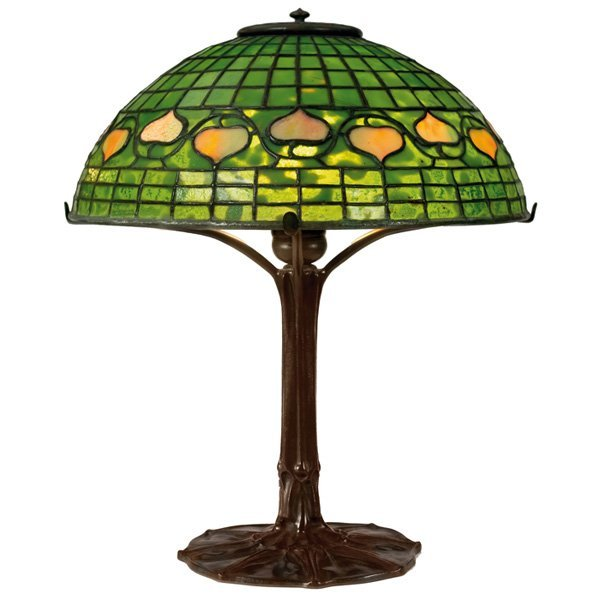 524: Tiffany Studios table lamp, leaf and vine pattern