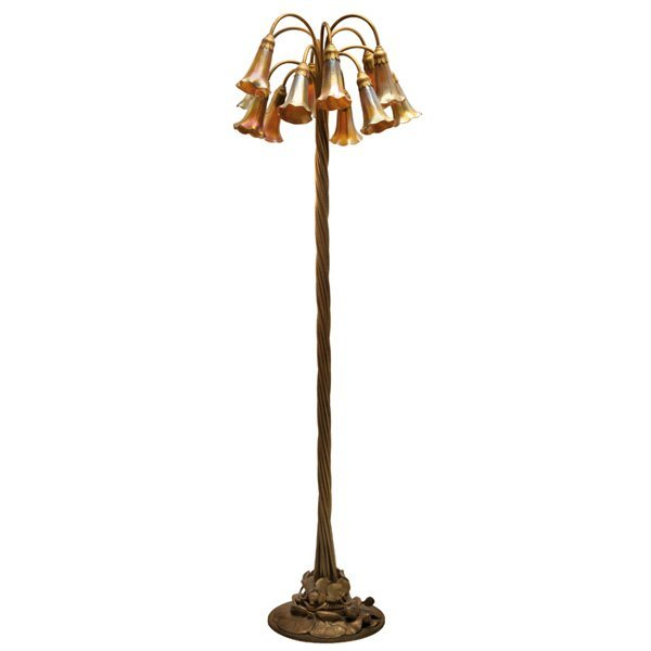 586: Tiffany Studios floor lamp, twelve-light lily