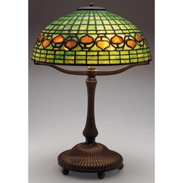 558: Tiffany Studios lamp, nice ribbed bronze base with