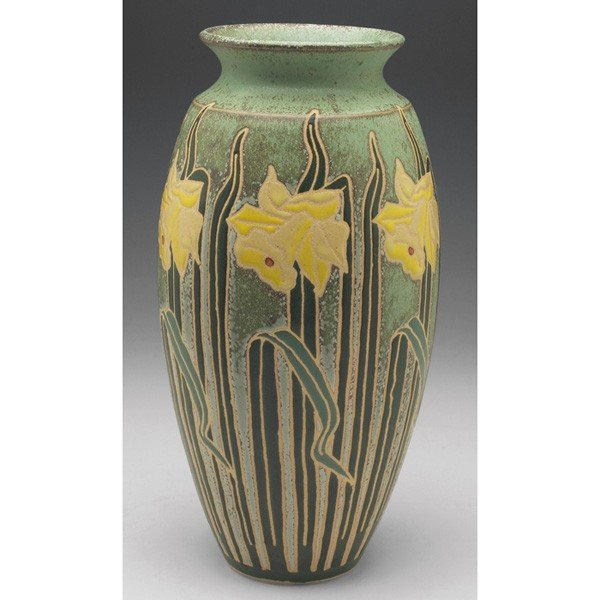 114: Common Ground Pottery vase, daffodil