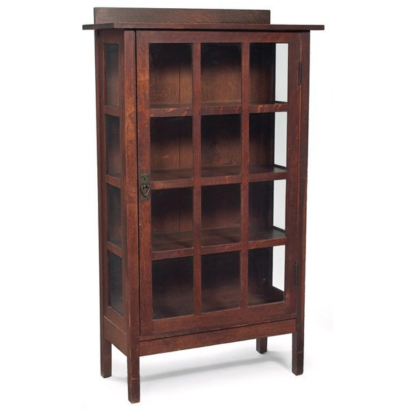 133: Gustav Stickley china cabinet, #820