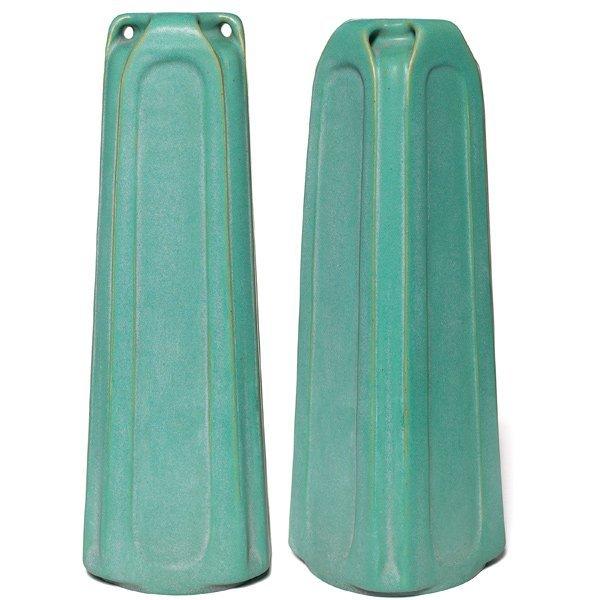 023: Excellent Teco vase, designed by Fritz Albert