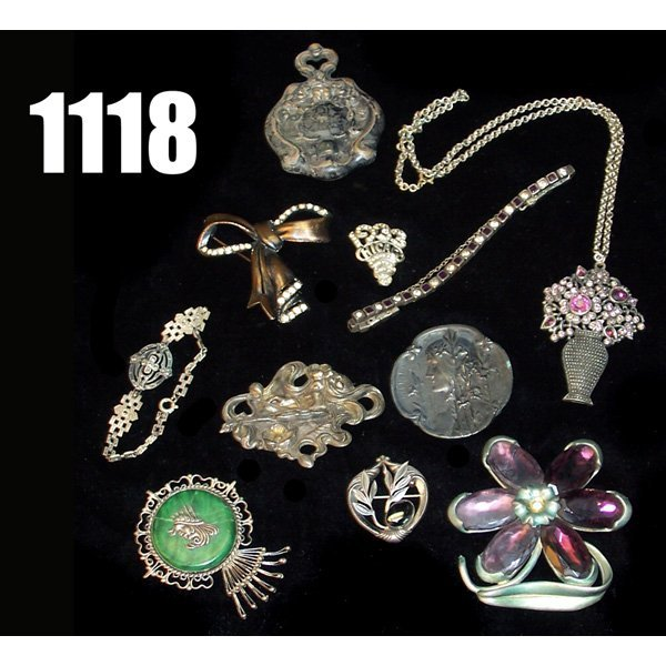 1118: Lot of Victorian Jewery,