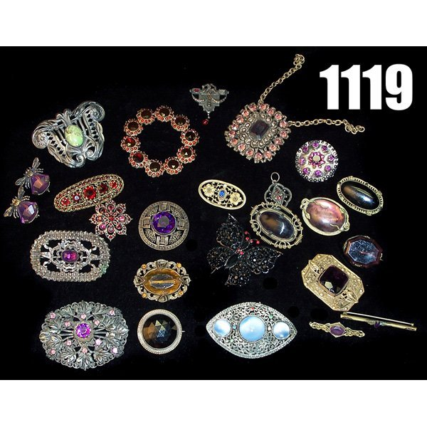 1119: Lot of Victorian pins, broaches