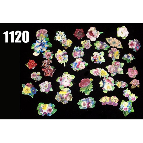 1120: Lot of English Ceramic pins and broaches,