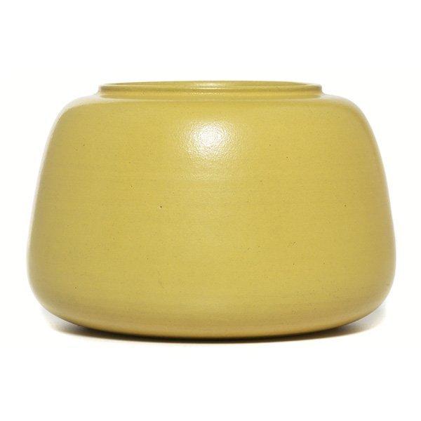 21: Marblehead vase, broad shape