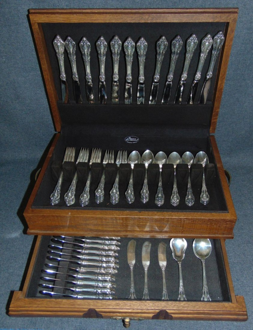 Eloquince by Lunt Sterling Flatware Set