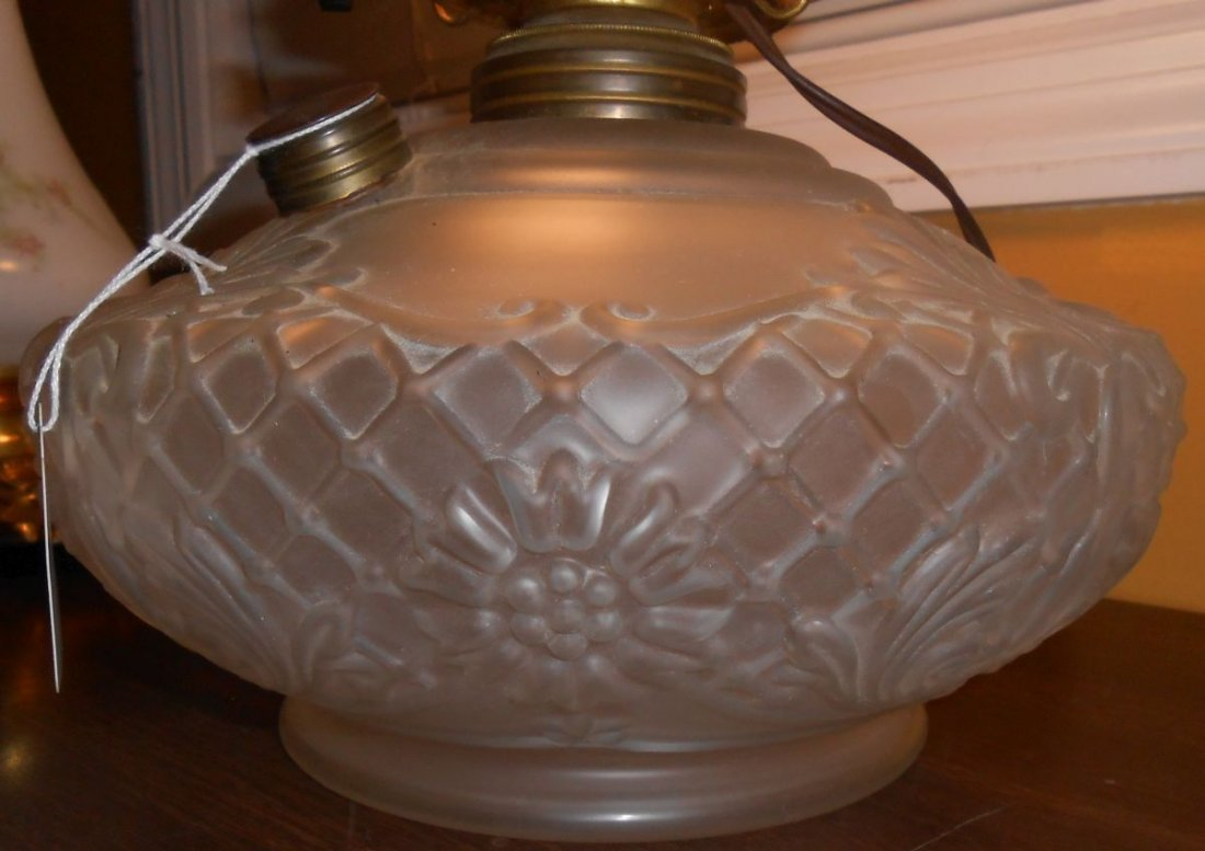 Antique Satin Glass Gone With The Wind Lamp - 6