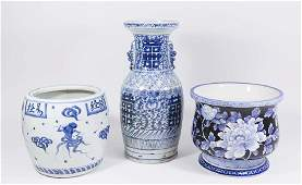 Grouping 3 Blue & White Chinese Porcelain Items