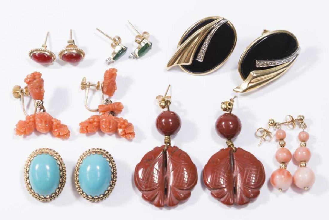 7 Pairs of Ladies Earrings