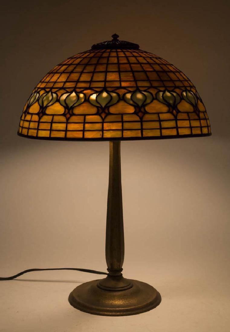 Tiffany 3-Light Lamp with Pomegranate Shade