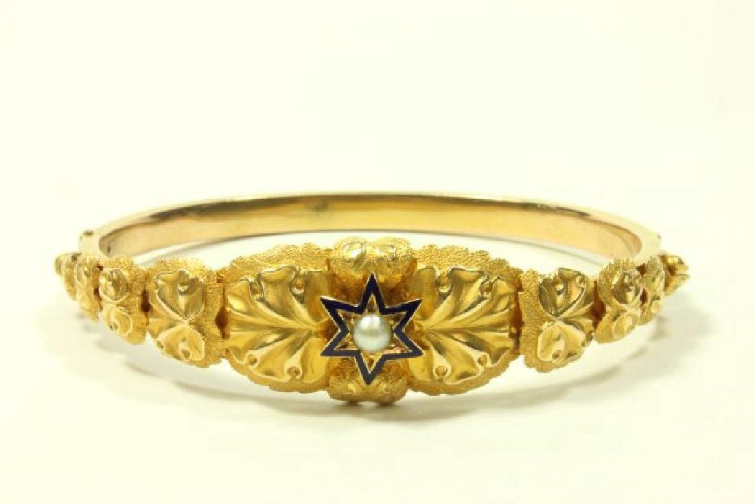 Gold Bangle Bracelet with Pearl in Enamel Star