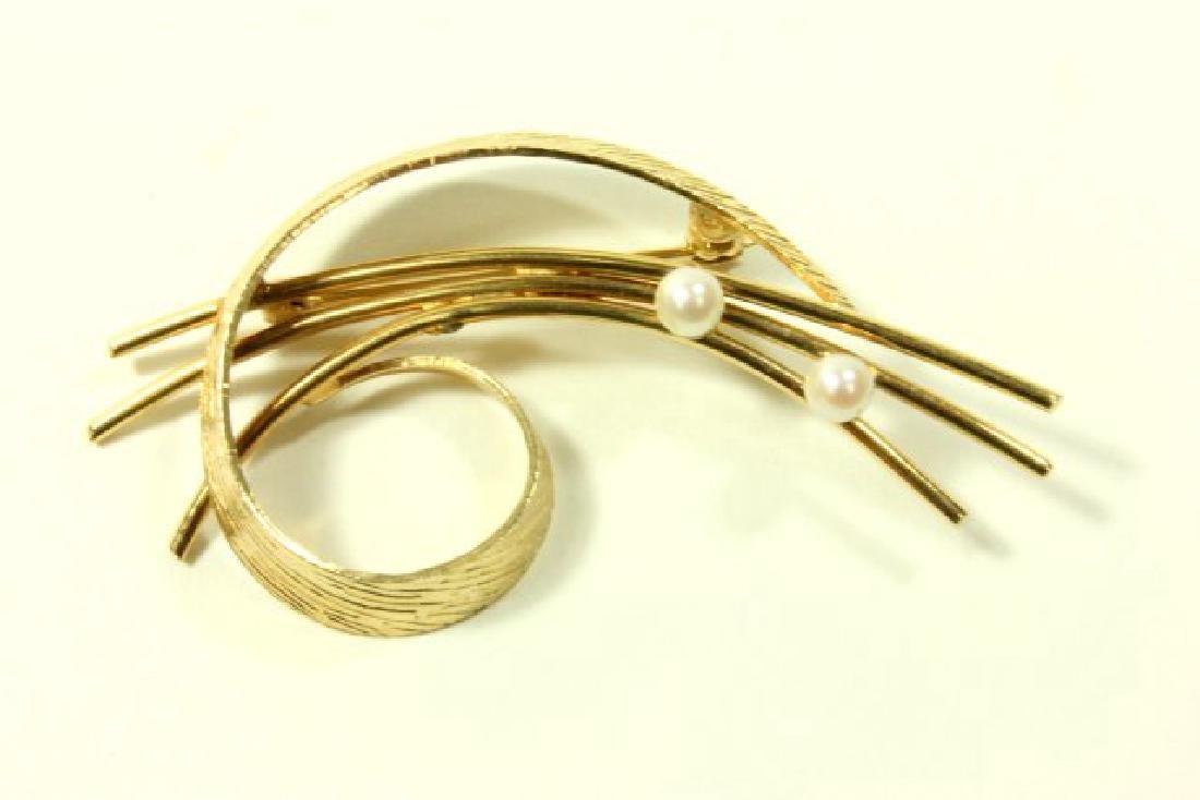 14K Yellow Gold & Pearl Pin