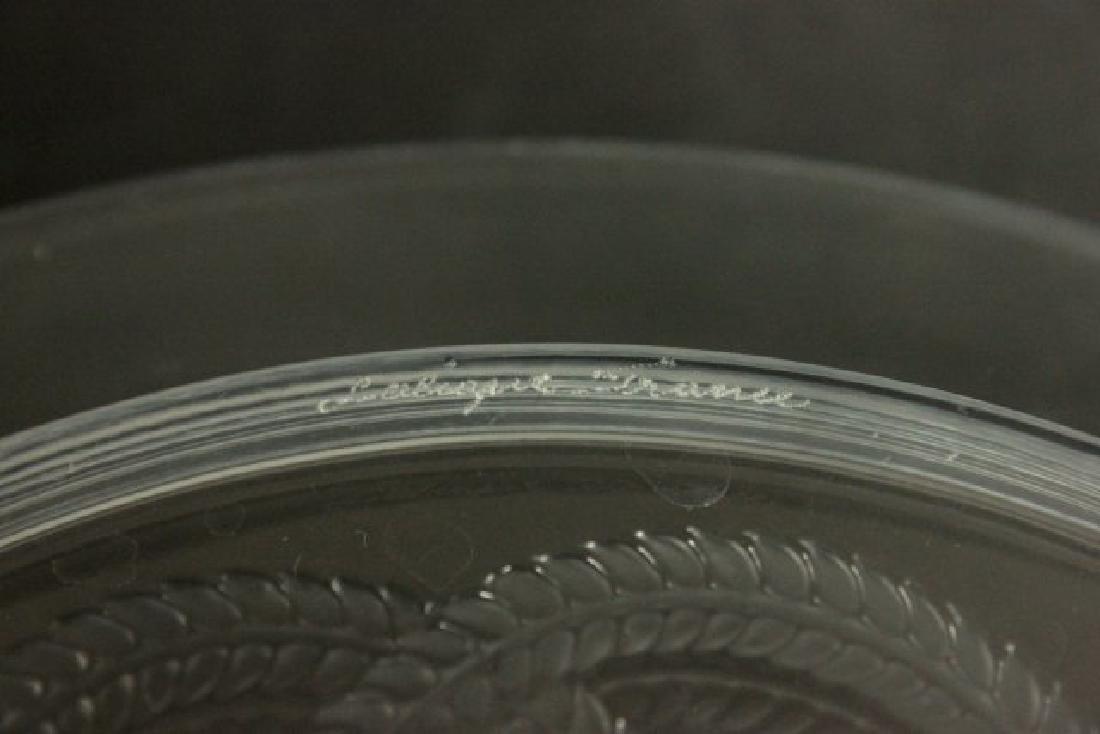 Set of 12 Lalique Olympe Cherub Love Knot Plates - 4