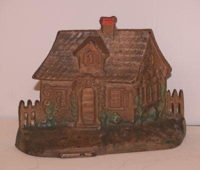 816: IRON HOUSE DOORSTOP