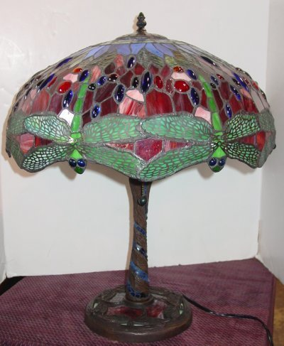 818: LEADED GLASS TABLE LAMP