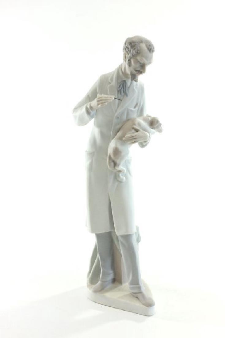 Lladro Veterinarian 4825