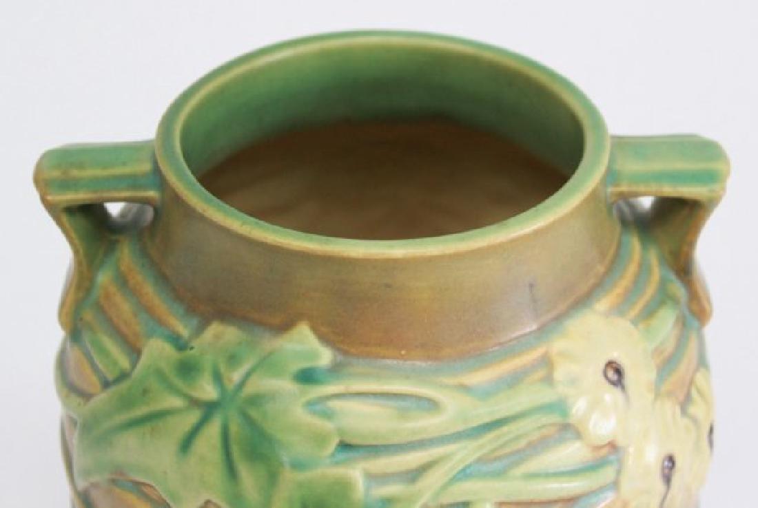 Roseville Luffa Vase - 2