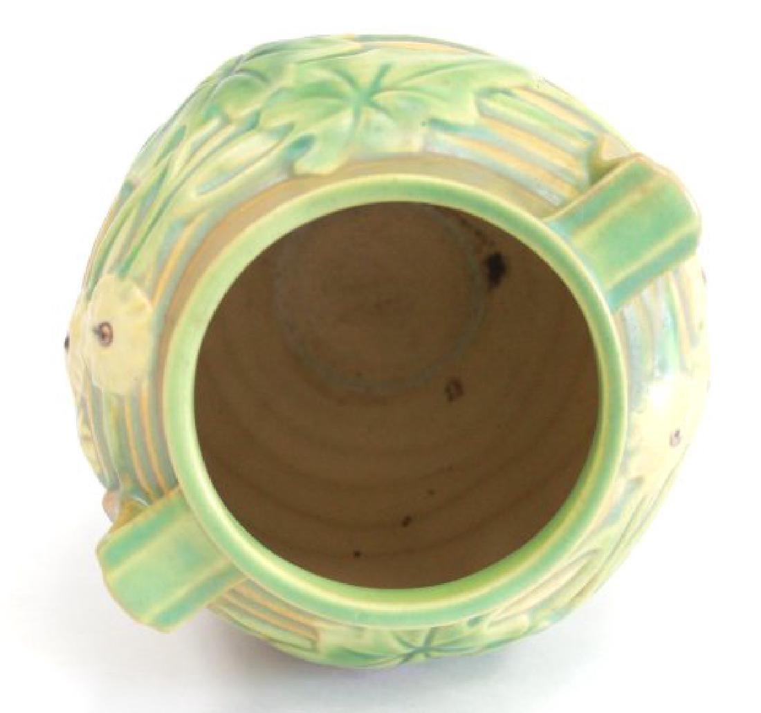Roseville Luffa Vase - 3