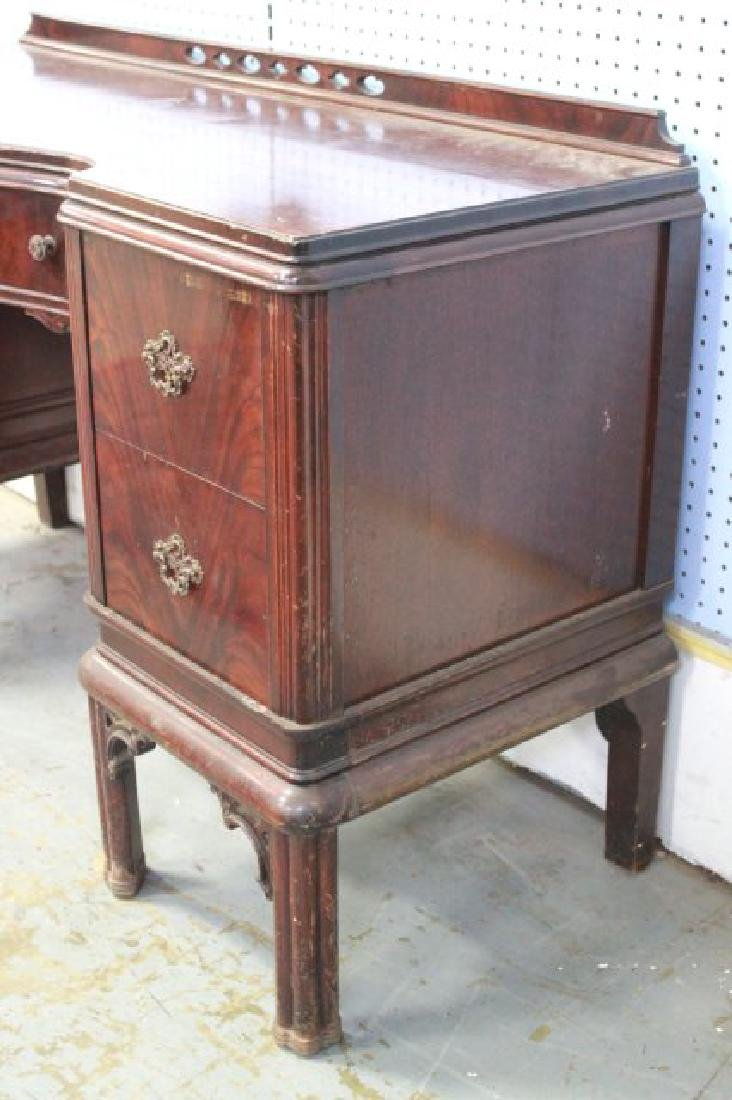 Mahogany Chippendale Vanity w/ Carved Oval Mirror - 3