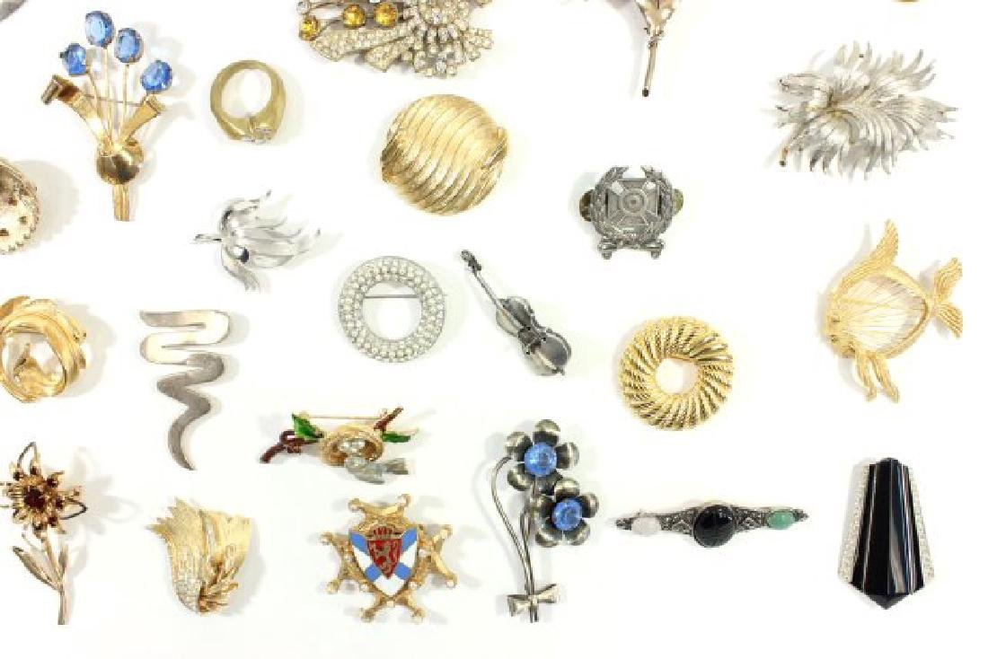 Tray of Vintage Costume Jewelry - 5