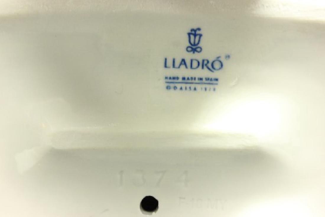 2 Lladro Figurines - 6
