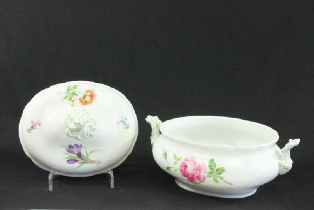 Floral Handpainted Meissen Covered Tureen - 4