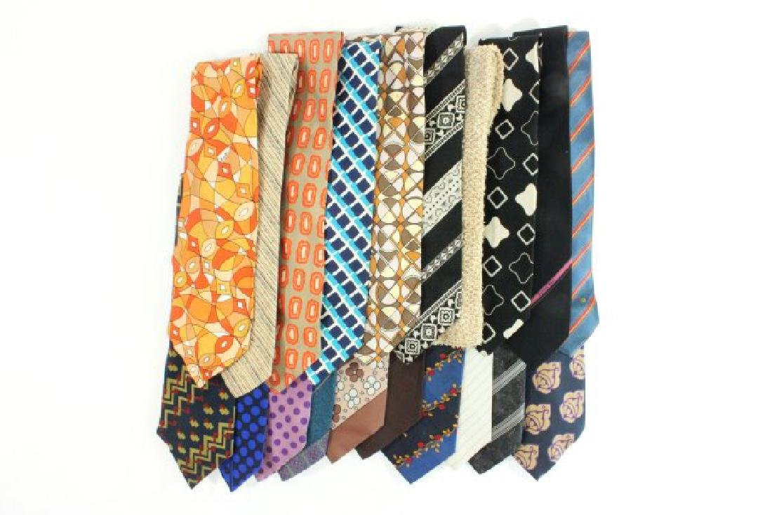 Lot 20 Men's Designer Vintage & Contemporary Ties