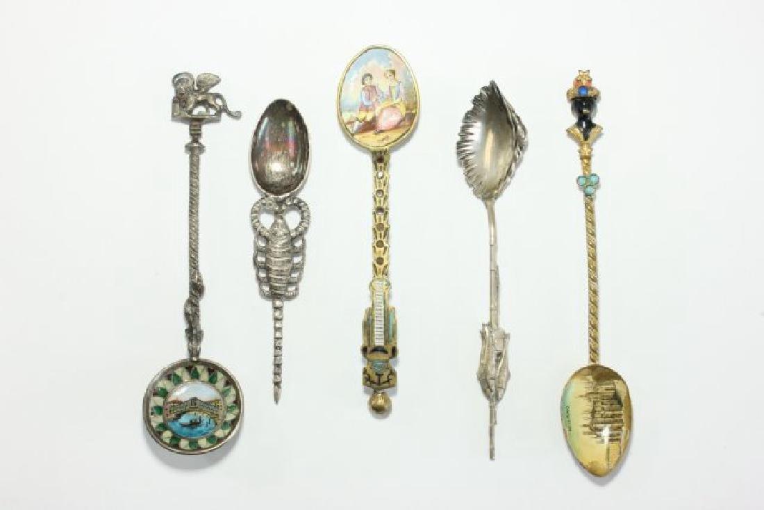 Lot 5 Spoons