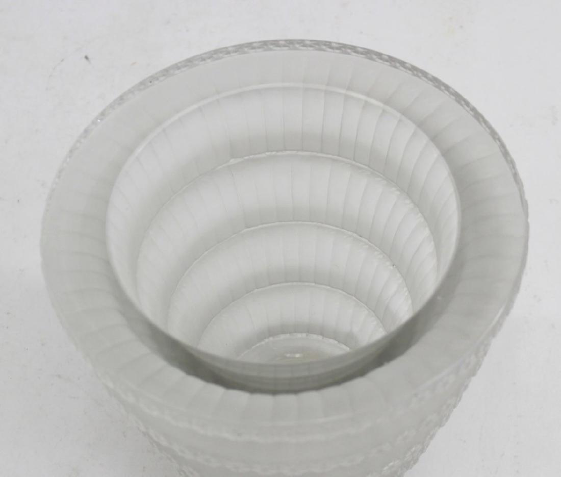 """R. Lalique France Glass """"Chevreuse"""" Vase - 3"""
