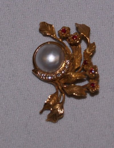 798: 14KT DIAMOND, RUBY & PEARL FLOWER PIN BY GIVENCHY
