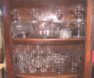 805: GROUP LOT CRYSTAL & ASSORTED BRIC A BRAC