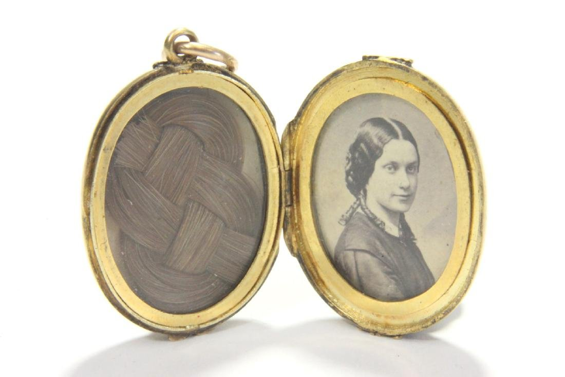 Victorian Gold Locket with Picture & Hair - 2
