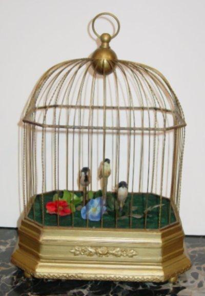 569: WINDUP BIRDCAGE WITH 3 SINGING BIRDS