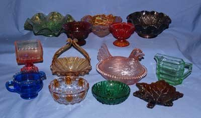 603: BOX LOT OF COLORED GLASS APPROX. 11 PC.