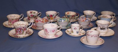 9: BOX LOT. 25 ASSORTED CHINA CUPS & SAUCERS