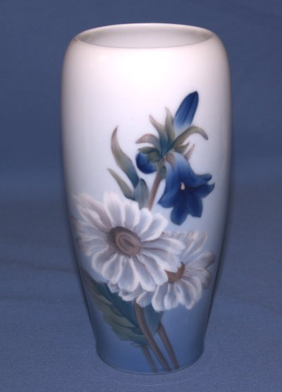 37: COPENHAGEN PORCELAIN VASE WITH FLORAL DESIGN