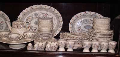 119: SET OF COPELAND SPODE ENGLAND DINNERWARE