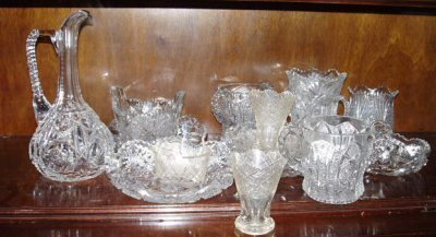 28: VARIOUS PIECES OF GLASS & CUT GLASS