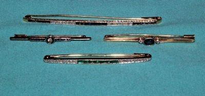 478: SET OF 4 DIAMOND, SAPPHIRE & EMERALD BAR PINS