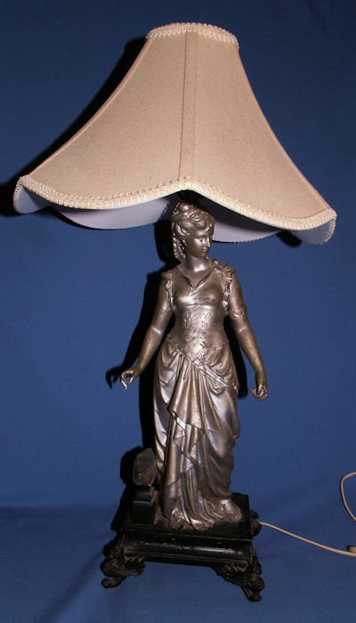 33: WHITE METAL FIGURE OF FEMALE FIGURE AS LAMP