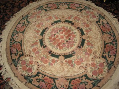 507: IVORY ROUND FLORAL RUG