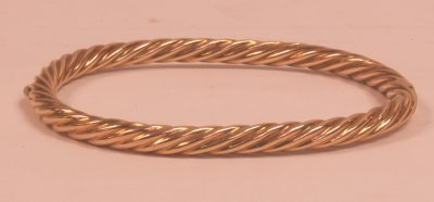 511A: 19TH C. RUSSIAN TWISTED GOLD BRACELET