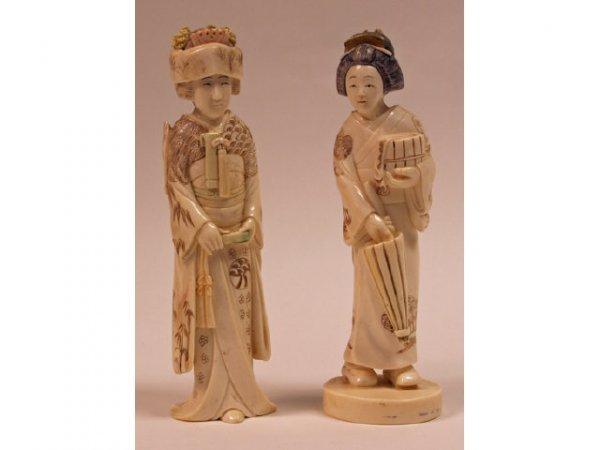 600: 2 Ivory Figures of Women