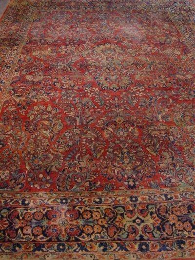 607: Sarouk Rug Approx. 9' x 12'